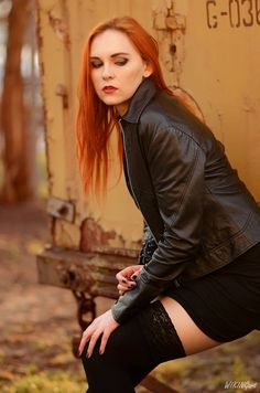 Zdjęcie z portfolio Katarzyna K. Blonde Boys, Brunette To Blonde, Snake Girl, Red Hair Woman, Gothic Looks, Long Red Hair, Goth Women, Gorgeous Redhead, Redhead Girl
