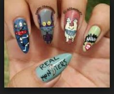 # this show brings back memories & I really like these nails lolol☺❤