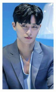 Korean Fashion – How to Dress up Korean Style – Designer Fashion Tips Korean Actresses, Korean Actors, Asian Men Hairstyle, Asian Hairstyles, Park Seo Joon, Men Hair Color, Asian Hotties, Korean Artist, Haircuts For Men