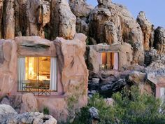 At Kagga Kamma, visitors will find the ideal African safari adventure.