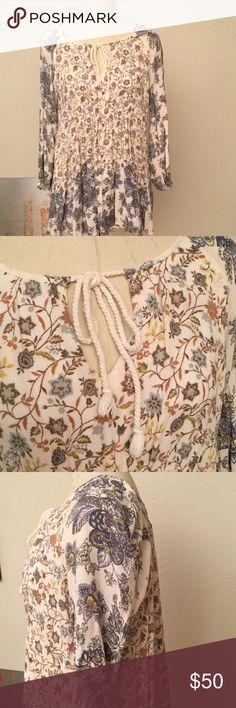 """🌴FREE PEOPLE SWING DRESS SZ XS 🌵FREE PEOPLE SWING DRESS SIZE XS. LUCKY LOOSEY AS DESCRIBED ON FREEPEOPLE.COM. BEAUTIFUL FLORAL PATTERN CALLED HONEYSUCKLE COMBO. LINED. 100% Rayon. Neck to hem measures 26.5"""". Bought new for $128. Great condition. Buy with confidence as all items lightly worn. NO TRADES - FAST SHIPPING SAME DAY IF ORDER BY 3 pm CST. LISTING DAILY! More Free People soon!!🌵🍄 Free People Dresses Mini"""