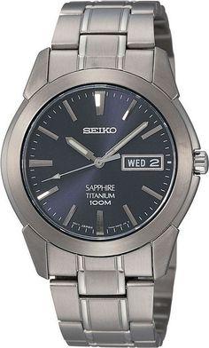 Seiko Herenhorloge Titanium SGG729P1. Kaliber 7N43. Een mooi en trendy titanium horloge met een blauwe wijzerplaat. Voorzien van dat heel erg harde en moeilijk te krassen saffierglas en tot 100 meter waterdicht. Het horloge weegtis 53 gram. Met dag en datum aanduiding. Een lichtgewicht horloge en ook geschikt voor de meeste mensen die snel last hebben van allergische reacties.
