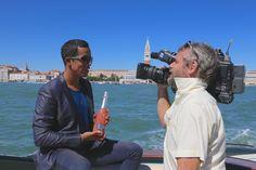 Livio Beshir conduce i collegamenti  per RaiMovie dalla Mostra del Cinema di Venezia 2015 #raimovie #bellini #mostradelcinemadivenezia