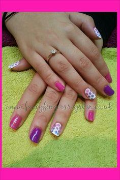 Gradient polka dots. gelish nail art