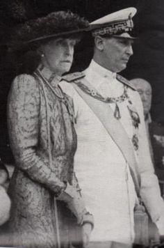 Aimone e Elena d'Aosta Bourbon, House Of Savoy, Two Sicilies, Victoria, Noblesse, Royal House, Reyes, Priest, Old Photos