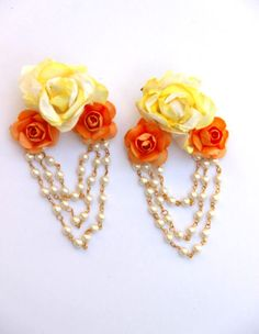 Exquisite Yellow Flower Paper Earrings- Yellow and white delicate, stunning, breathtaking. This is the perfect necklace, for your summer or. Paper Earrings, Paper Jewelry, Textile Jewelry, Flower Jewellery For Mehndi, Flower Jewelry, Gold Jewellery, Handmade Necklaces, Handmade Jewelry, Gold Earrings Designs