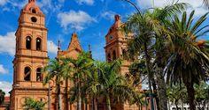 Santa Cruz es un ciudad en el este de Bolivia. El ciudad está cerca del Río Pirai.