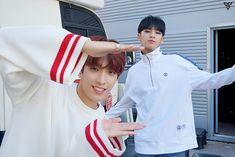 "171120 #SEVENTEEN #Mingyu & #Seokmin (#DK) Naver Update ""박수"" (Clap) M/V Making <3"