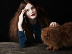 Bonnie Wright, her hair = my hair :)