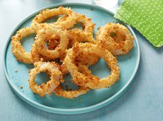 Recipe of the Day: Oven-Baked Onion Rings The key to healthier onion rings is to forgo the frying altogether. Baked in the oven with a potato chip and buttermilk coating, sweet Vidalia onions achieve crunchy, golden perfection without all the fat and calories.