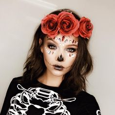 Halloween Make-Up Tuts coming in clutch. Check out the link in our bio for the vid on this look! Halloween Makeup Videos, Cute Halloween Makeup, Halloween Looks, Halloween Costumes, Halloween Stuff, Skeleton Halloween Costume, Halloween Ideas, Halloween Makeup Sugar Skull, Sugar Skull Costume