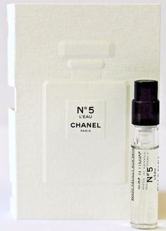 Chanel L'Eau Perfume Sample Paris Perfume, Best Perfume, Perfume Fragrance, Free Samples By Mail, Free Makeup Samples, Fragrance Samples, Perfume Samples, Going Blonde From Brunette, Blonde Brunette