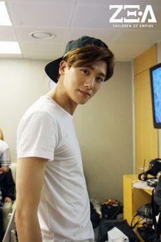 140606 Park Hyungsik @ MCountdown Back Stage