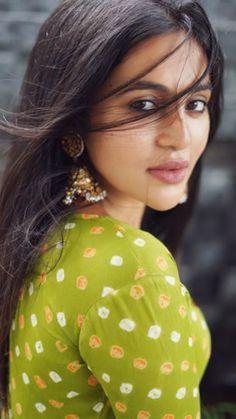 Chic Beach House, Persian Beauties, South Indian Actress Hot, Indian Beauty, Bellisima, Indian Actresses, Desi, Beautiful Women, Girl Face