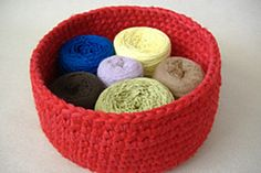 Bowls are worked with six strands of yarn held together. All instructions are written out completely with the beginner in mind, using no abbreviations. Includes both USA and UK notation. Requires knowledge of the following stitches: