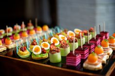 Getting to grips with your wedding menu can feel a little like choosing who to invite to your wedding in the first place: from canapés and starters, to rec Canapes Recipes, Appetizer Recipes, Finger Food Appetizers, Finger Foods, Brunch, Party Food Buffet, Plats Healthy, Best Party Food, Food Garnishes