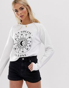 Shop ASOS DESIGN sweatshirt with zodiac print. With a variety of delivery, payment and return options available, shopping with ASOS is easy and secure. Shop with ASOS today. Pop Fashion, Fashion Prints, Trendy Fashion, Curve Leggings, Blouses For Women, T Shirts For Women, Women's Blouses, Asos, Aesthetic Shirts
