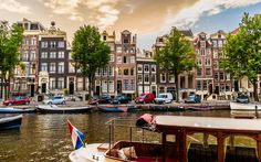 Skyscanner invited me to play a little game called #SkyscannerRoullete. Wake up, book the next flight and get to the airport... Here's how to spend a random last-minute Amsterdam weekend.