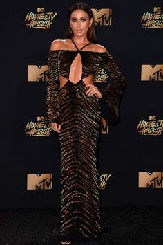 shay mitchell: Os melhores looks do MTV Movie Awards