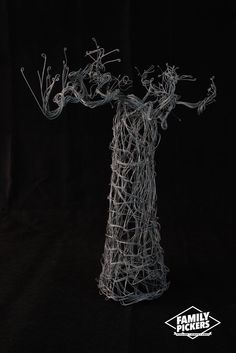 Wire Sculpture by Vanaja Braibant http://www.familypickers.org/Vanaja-Braibant
