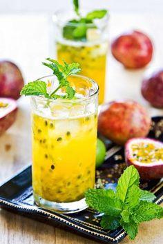 Mojito alla maracuja, mojito al frutto della passione cocktail mojito con frutta
