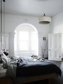 The Design Chaser: Beautiful Bedroom Windows