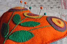 ༺༺༺♥Elles♥Heart♥Loves♥༺༺༺ .............♥Pincushions♥............. #Pincushion #Pin #Cushion #Design #Sewing #Notions #Needle #Handmade #Vintage #Craft #Tutorial #Pattern ~ ♥The Parade of the Pincushions