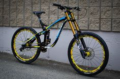 Norco DH. Trek Mountain Bike, Best Mountain Bikes, Mt Bike, Motorcycle Bike, Mtb Parts, Montain Bike, Downhill Bike, Push Bikes, Mountain Bike Scott