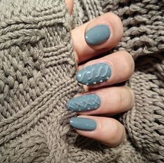 When the weather outside gets chilly, there's nothing we look forward to more then pulling out our absolute coziest sweater. Now your nails can also experience the joy of bundling up in a warm knit, too: The latest fall/winter nail art trend mimics the cable knit texture of your coziest sweater.