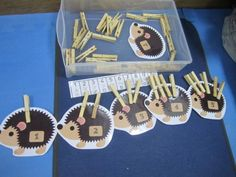 DIY Montessori – Resources to print Montessori Homeschool, Maria Montessori, Montessori Activities, Kindergarten Math, Learning Activities, Preschool Activities, Kids Learning, Montessori Materials, Numeracy