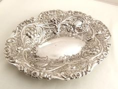 "ANTIQUE SCOTTISH SILVER DISH 9"" (23cm) EDINBURGH 1887. Oh, look at that form, that detail!"