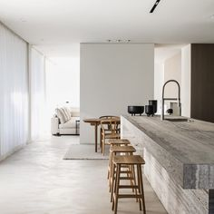 White walls the most used element in minimalist contemporary design. The ideal canvas for textural elements of design. Don't you just love the beauty of white walls? CLICK THE LINK IN THE H Minimalist Interior, Modern Interior Design, Interior Design Inspiration, Minimalist Design, Interior Architecture, Interior And Exterior, Minimalist Closet, Minimal Kitchen Design, Minimal House Design