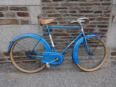 This is a vintage French Motobecane Gentlemen's cruiser bicycle. Traditional cruiser style bicycle with pedal brake. In original condition. This listing may be Bamboo Bicycle, Wooden Bicycle, Balance Bicycle, Power Bike, Bicycle Pedals, Cruiser Bicycle, Cycling Bikes, Road Bikes, Bicycles