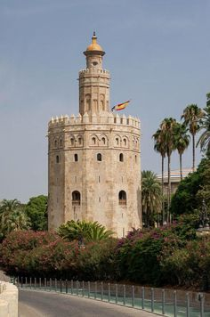 El torre del oro is the Gold tower.It was one of the military watch towers built by the Almohad dynasty. It is located in Seville, Spain. Spain History, Small Castles, Nevada Mountains, South Of Spain, Tower Building, Southern Europe, Islamic World, Cadiz, Spain And Portugal
