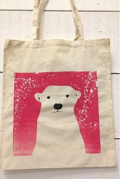 DIY Screen printing to print a Winter Tote Bag, Pink Polar Bear www.slamseys.co.uk