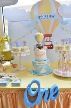 New Cake : Hot Air Balloon Theme 1 Year Birthday Party Organization, 1st Birthday Themes, 1st Birthday Girls, Birthday Balloons, 1st Birthday Parties, Birthday Decorations, Baby Shower Balloons, Baby Shower Cakes, Baby Boy Shower, 1st Birthdays