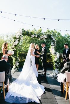 Kate Twigley + Mat Seal say 'I do' with the help of Melbourne wedding stylists The Style Co. // Featured on www.modernwedding.com.au Photography by Erin and Tara #wedding #weddingstyle