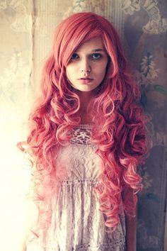 How amazing is this hair! Love. Curly. Rose colour. #veronahair #alternative #hair
