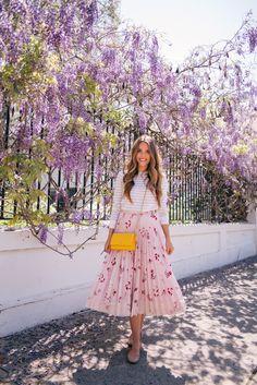 Gal Meets Glam April Flowers - Club Monaco sweater, Red Valentino skirt c/o, Chloe flats & Chanel bag Gal Meets Glam, Spring Summer Fashion, Spring Outfits, Spring Style, Summer Outfit, Fall Fashion, Mode Outfits, Fashion Outfits, Skirt Fashion