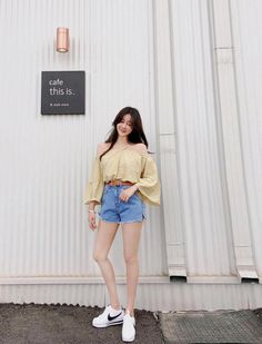 54 Stylish Camel Coat Outfit Ideas to Copy Right Now in 2019 Korean Fashion Summer Casual, Korean Fashion Trends, Korean Street Fashion, Asian Fashion, Teen Fashion, Fashion Outfits, Ulzzang Fashion Summer, French Fashion, Fashion Pants