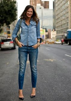 Love it! Not many people can pull off jean shirt with jeans look! Jenna can:)