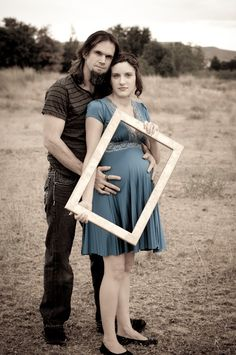 Green's Photography: Maternity - Boise Photographer. I like the photo frame over her belly