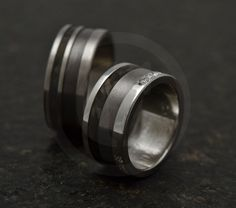 Tantalum offers the possibility to create black or dark grey jewelry and wedding rings without plating. This metal is really very little known, but Black dark grey tantalum jewelry, wedding rings Modern Jewelry, Dark Grey, Black Gold, Plating, Rings For Men, Creations, Jewelry Design, Wedding Rings, Pure Products