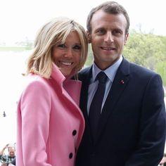 Saint Yves, Moda Outfits, Outfits Otoño, Emanuel Macron, French First Lady, Anne Elisabeth Lemoine, Carla Bruni Sarkozy, Beaux Couples, Brigitte Macron