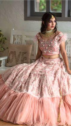 Dress Neck Designs, Stylish Dress Designs, Bridal Blouse Designs, Stylish Dresses, Indian Fashion Dresses, Indian Designer Outfits, Indian Outfits, Designer Dresses, Designer Lehnga Choli