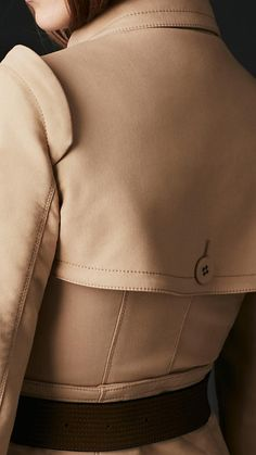 Corset Trench Coat / Burberry spring/summer 2013