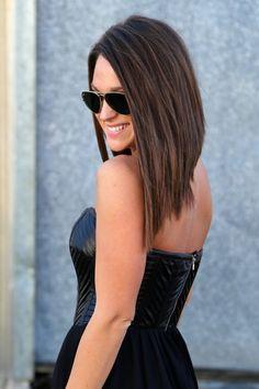 Лонг-боб или удлиненный боб отлично смотрится на длинных волосах