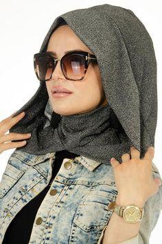 Hijab Turban Style, Mode Turban, Hijab Chic, Scarf Wearing Styles, Hair Wrap Scarf, Hijab Style Tutorial, Street Hijab, Fashion Vocabulary, Hooded Scarf