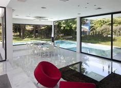 Carrara House | CoolBoom