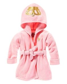 Juicy couture baby girl robe....my little girl is going to be such a princess haha wow I love this so much I want one lol.